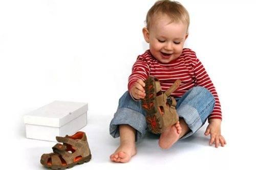 как выбрать ортопедическую обувь ребенку