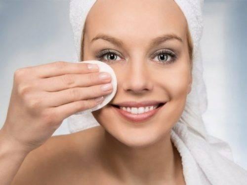 чем снять макияж