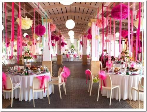 Цветы, шары и пастельные оттенки