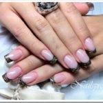 Как наращивать ногти акрилом?