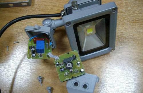 Как подключить светодиодный прожектор к сети