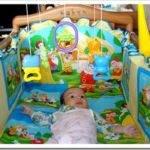 Как украсить детскую кроватку?