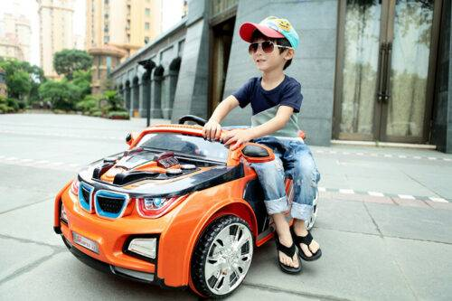Как выбрать детский электромобиль