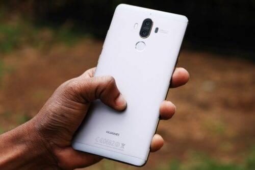 Какой смартфон Huawei лучше
