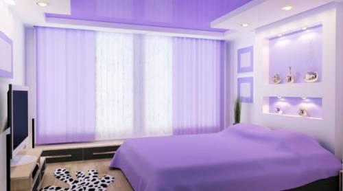 Какой натяжной потолок выбрать для спальни