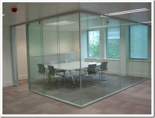 Почему стекло – это идеальный вариант для перегородки?