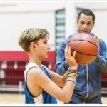 Как научить ребенка играть в баскетбол