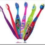Как выбрать детскую зубную щетку
