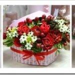 Как сделать букет из цветов в коробке