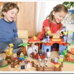 Какие игрушки выбрать для мальчика 5 лет?