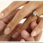 Как выбрать обручальное кольцо для девушки