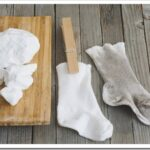Чем отстирать белые носки в домашних условиях
