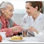 Какой уход нужен за пожилыми людьми