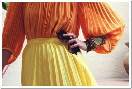 Сочетание плиссировки и драпировки в одном комплекте одежды