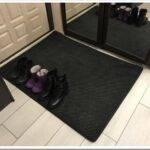Как выбрать придверный коврик в прихожую