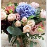 Как собрать букет из пионовидных роз и гортензии